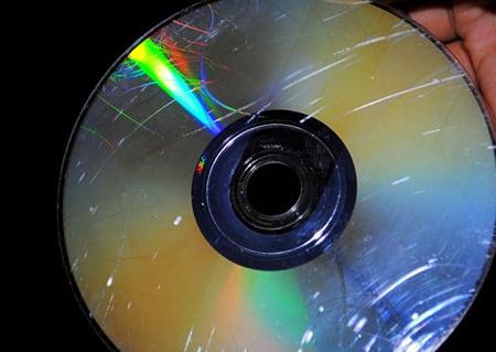 Считать с такого диска информацию будет невозможно