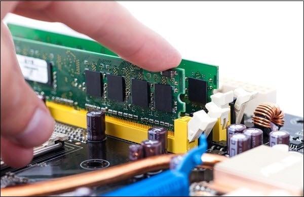 При необходимости замените проблемную планку памяти