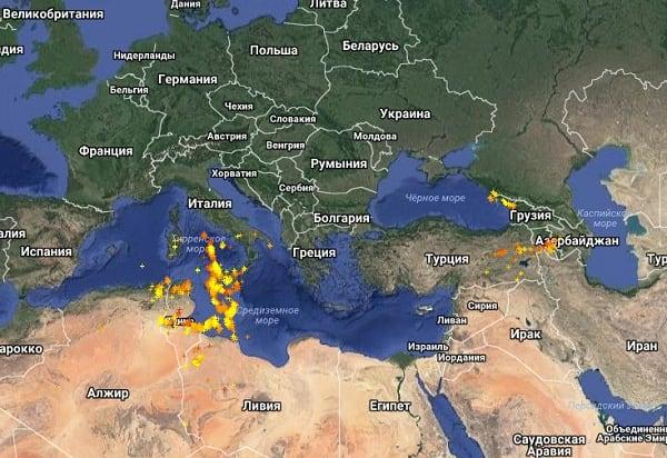Жёлтые точки на карте - совсем свежие фиксации, красные - фиксация была произведена несколько часов тому назад