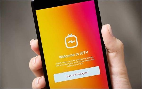 Функция свайпов в стори доступна пользователям, имеющим IGTV-аккаунт с размещённым на ним видео