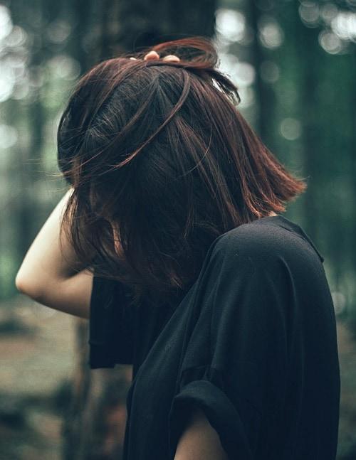 Картинки девушки с короткими волосами не видно лица