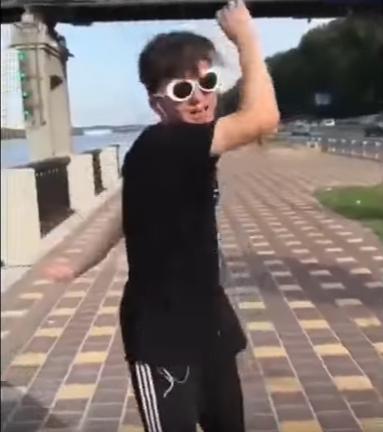 Танец Флексинг
