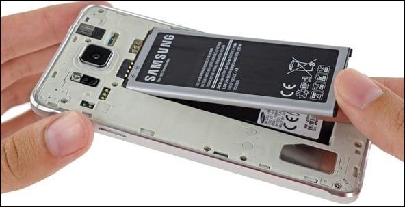 Изымите батарею из вашего телефона