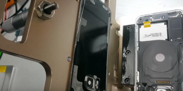 Открытый корпус смартфона