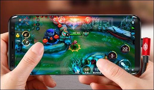 Заряжать смартфон во время игр
