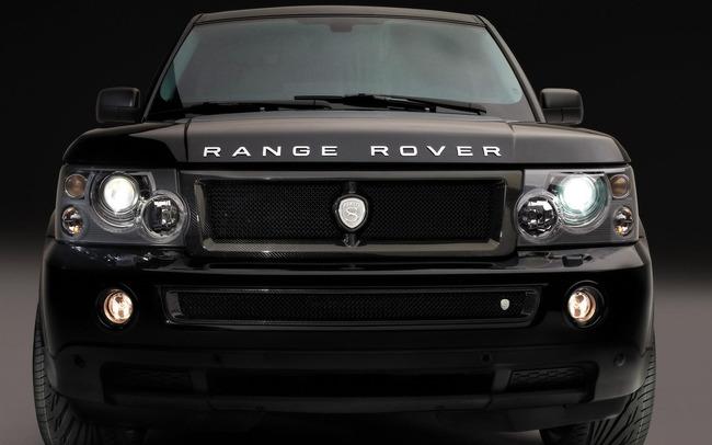 Range Rover на черном фоне