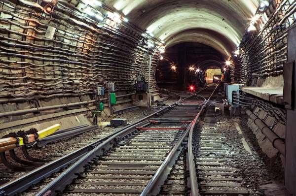 Туннель метро