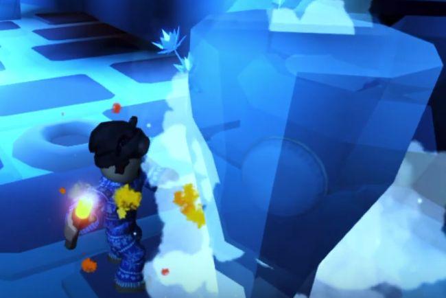 Моделька игрока растапливает глыбу факелом