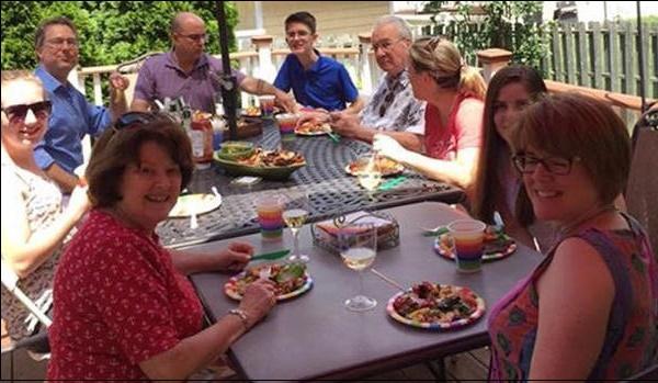 Семейная вечеринка фото