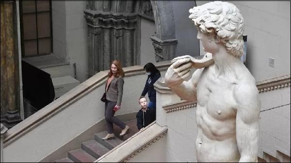 Заставка статуя