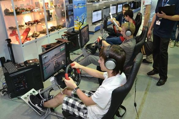 компьютерные игроки за рулем