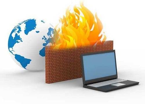 Брандмауэр защищает ваш компьютер