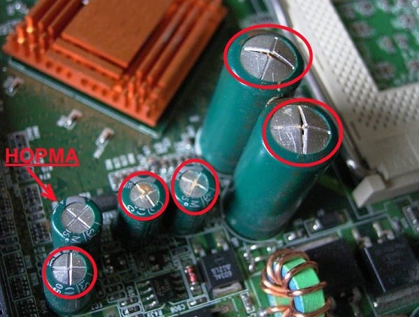 Вздутые и нормальные конденсаторы