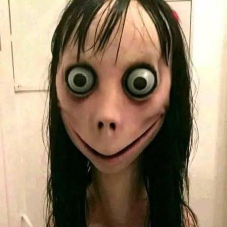 Изображение лица Момо