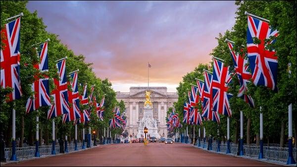 Великобритания 44